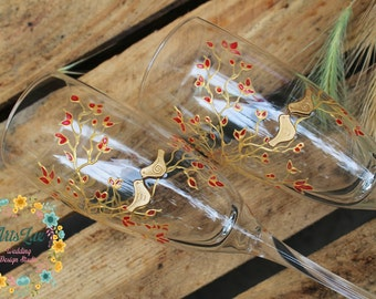 Hand painted Wedding champagne Glasses Birds on the branch-Gold Champagne flutes Loving Birds-Personalized Toasting Glasses LoveBird-Rustic