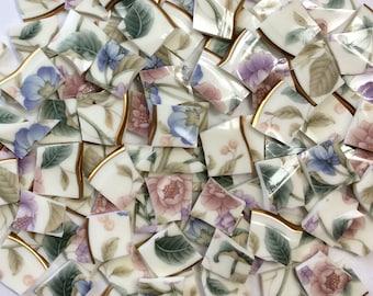 100 rosa lila blau auf Creme Hand geschnitten Vintage Porzellan Fliesen / / Schale gebrochen / / Mosaik-Zubehör / / Mosaik Stück / / Handwerk Schmuck