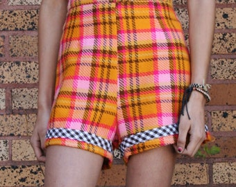 High Waist Shorts in Colorful Plaid