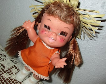 """FUNkY Old Little KiTSChY Girl Doll ~ Retro MOD era 7"""" tall Mini Little Sophisticate Doll with Straw Hat, Freckles & Real Eyelashes CUTE!"""