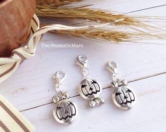 Silver Mr. & Mrs. Jack-O-Lantern hair bow girl/ bow tie boy Halloween TN planner charm dangle clip
