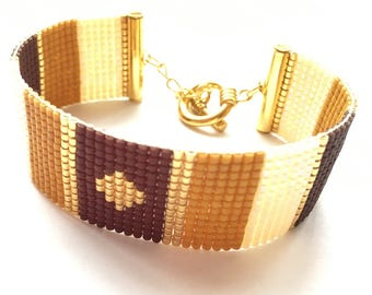Very nice chocolate, caramel and mother of pearl bracelet woven miyuki beads