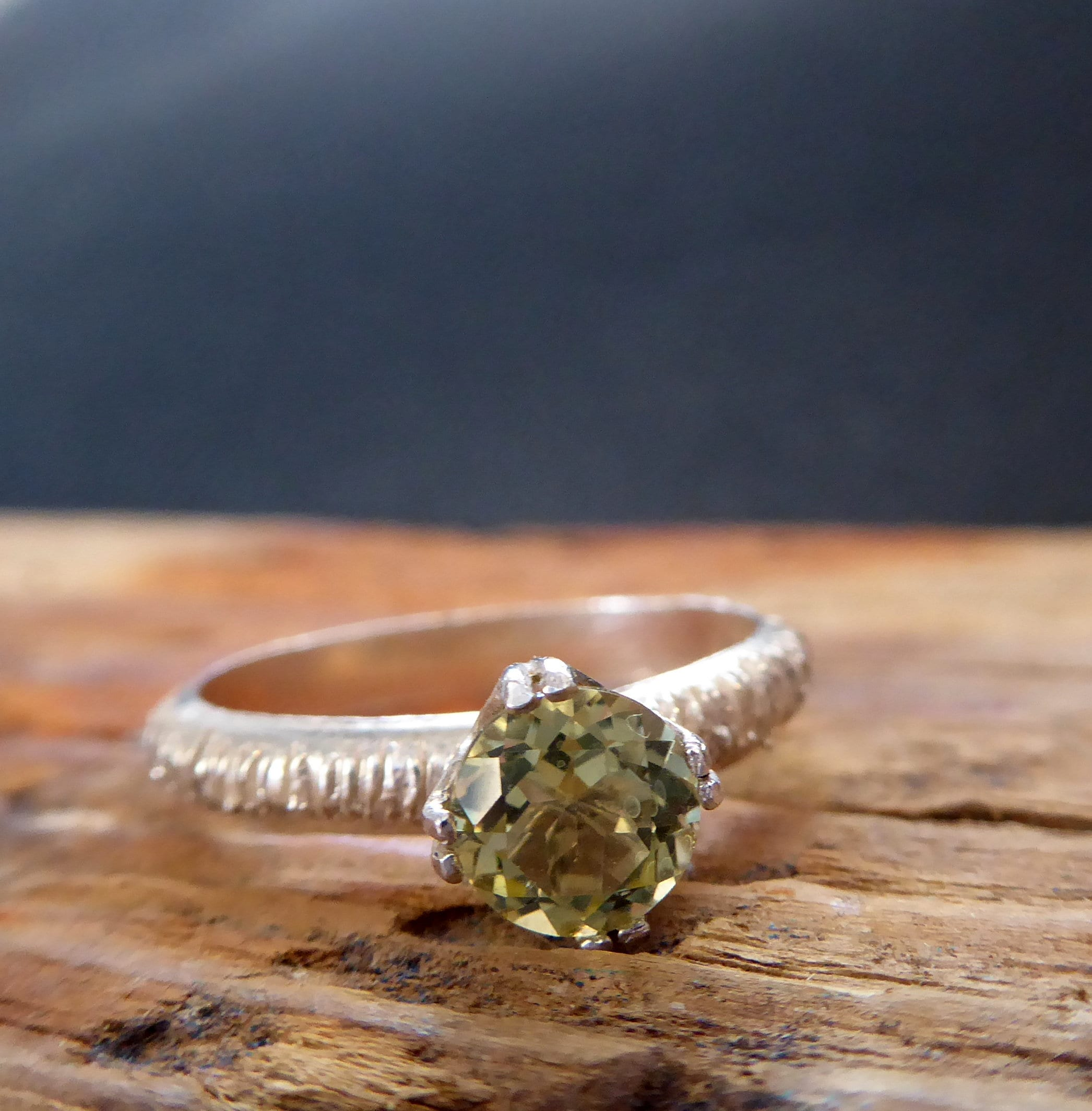 ring i august rings stone diamond h white si three trellis in gold engagement birthstone and peridot