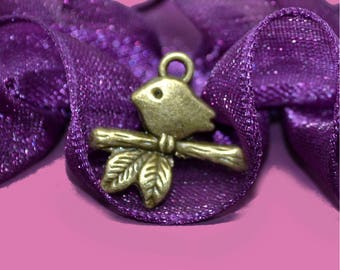 birds on branch 17x16mm bronze 20 charms