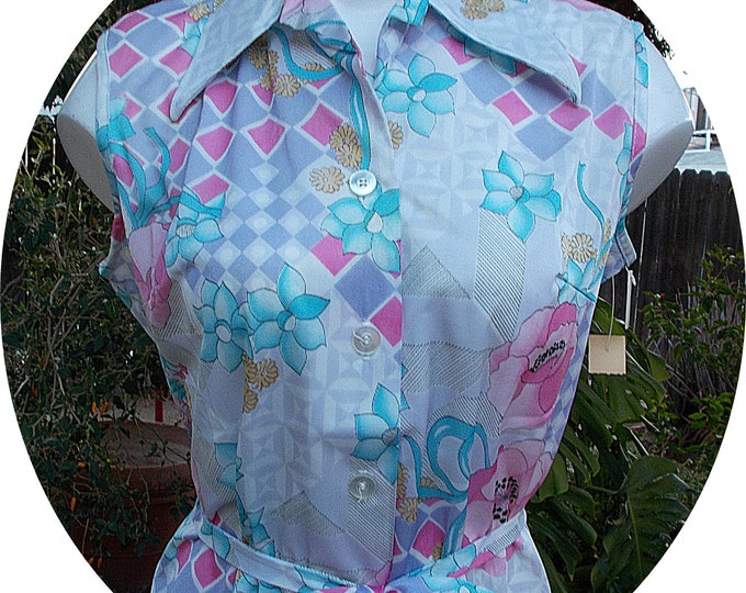 Vintage 70s Land N Sea Made In USA White Pastel Floral Geometric Womens Sleeveless Blouse Shirt Top Belt Deadstock