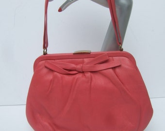 Fuchsia Bubblegum Pink Leather Retro Handbag c 1960
