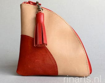 Wallet / small purse / coin case / card holder / key holder QUARTER S in natural and red leather. color block pouch. Gift under 20.