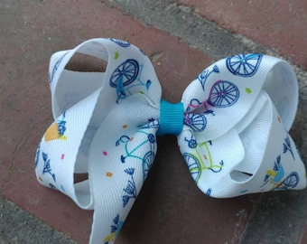 Bicycle hair bow. Toddler girl bicycle hair bow. Blue Bicycle hair bow. Toddler girl hair bow. Spring hair bow. Photography prop. Girl bow