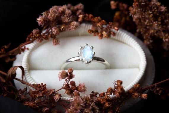 Oval moonstone vintage inspired sterling silver ring, sterling silver moonstone engagement ring,vintage inspired moonstone ring,promise ring