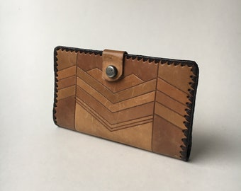 Exotic vintage leather wallet  pocketbook chevron  pattern snap flap coin purse brown and tan