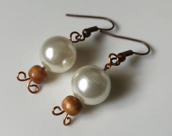 Pearl and wooden bead drop earring