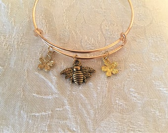 Garden Bee With Flowers Adjustable Wire Bangle Bracelet
