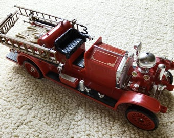 ANTIQUE FIRE TRUCK Telephone