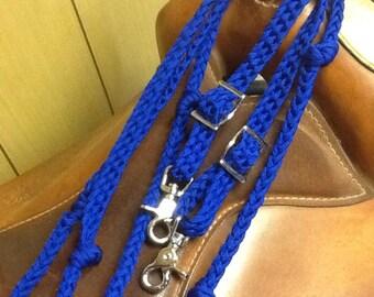 blue barrel reins, western tack, paracord reins. custom barrel reins, barrel reins with grip knots, custom length barrel reins, knotted rein