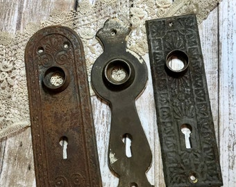 Superb Vintage Distressed ESCUTCHEON Plates Old DOOR Hardware  Salvaged Door Knob  Plate Back Plate  Rusted