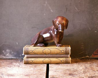 Vintage Dachshund Dog Porcelain Figurine - Perfect Gift for the Dog Lover!
