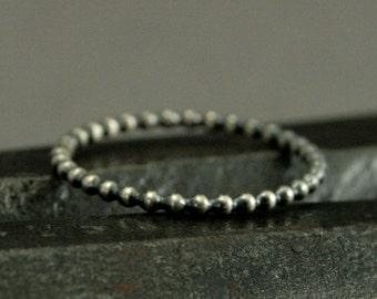 Mini Perlen Stacking Ring - Blase Stapeln Band - einfache elegante oxidiert Perlenband - große Bereicherung für Ihre Stapeln Ringe - Hand Made