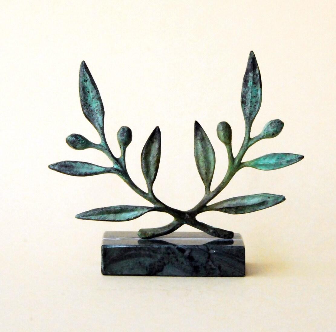 Olive wreath greek bronze sculpture metal art museum zoom biocorpaavc