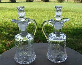 "Heisey Glass Co. USA - Pair of Oil & Vinegar CRUETS in the PLANTATION ""Pineapple"" pattern w/ Stoppers... Free usa Shipping!!"