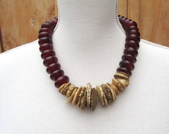 Rocking Chords : An exceptional amulet necklace with Mauritian shell discs- kwalia shell..