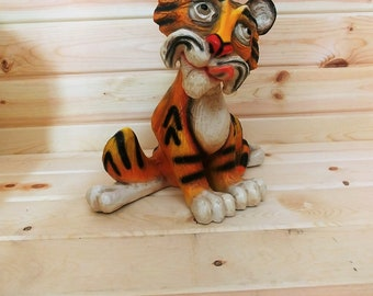 Adorable Universal Statuary Tiger 1974 709