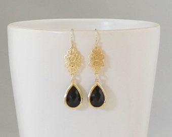 Black Earrings / Gold Filigree Earrings / Black Onyx Earrings / Everyday Earrings / Bridal Jewelry