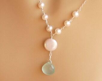 Perle et collier de pierres précieuses, calcédoine bleue et Perle en argent Sterling de pièce, plage de mariage, quelque chose bleu - le collier rêve de ciel