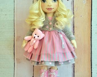 Poupée de textile, poupée décorative, poupées de collection, poupée de chiffon, poupée d'art