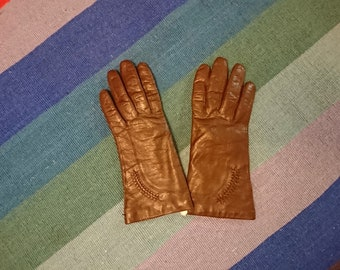 Vintage Brown Leather Driving Gloves with Woven Wrist Detail