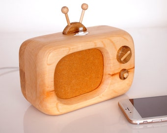 iPhone Dock - Vintage TV - iPhone Dock Handmade From Discarded And Reclaimed Wood- iPhone 5 / 6 / 7 / 8 / X charging station