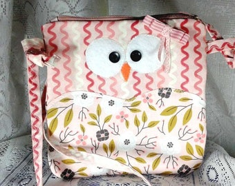 OWL bag for little girl cotton print in shades of pink, firm, adjustable strap with zipper, lined