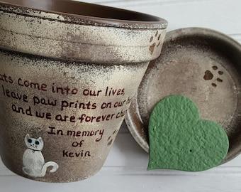 Pet Memorial Gift - Painted Flower Pot - Dog Memorial - Cat Memorial - Pet Sympathy Gifts - Personalized - Pets Name