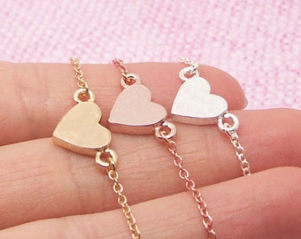 Dainty Heart Bracelet in Gold/Silver/Rose Gold BB550