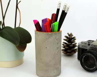 Concrete desk organiser/ Concrete pen holder/ Concrete pot