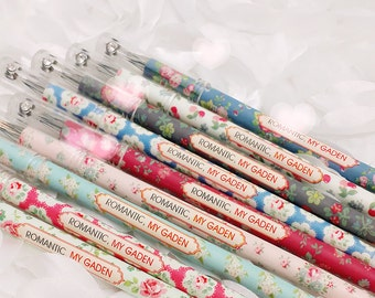 Vintage Floral GEL PENs : Rose Garden Rhinestone Crystal  Pen  Planner Pens / Teacher Gift / Life Planner Accessories Stationery