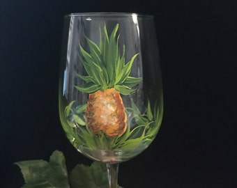 Free shipping Pineapple hand painted wine glass personalizable