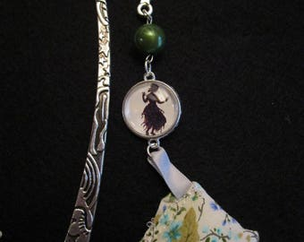 bookmark in silver metal Princess pea glass cabochon