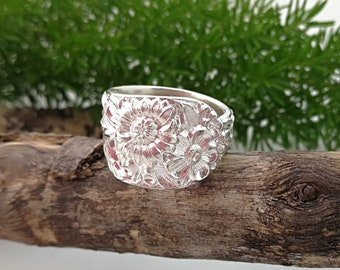 FLORAL RING Sterling Silver Spoon Ring, upcycled jewlery, floral jewelry, Boho jewelry, 5th anniversary gift. Size 7 1/4, 8 1/4 or Custom.
