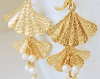 Dangle Earrings for Women Gold Earrings Gift for Women Statement Earrings Gift for Her Chandelier Earrings Pearl Earrings Freshwater Pearls