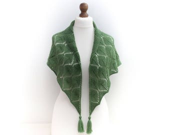 Hand knit Triangle scarf Shawl Alpaca wool blend in green Gift for her Mother gift knitted Luxury scarf