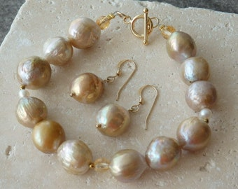 Freshwater Pearl Bracelet, Matching Earrings, Pearl Bracelet, Pearl Earrings, Matching Pearls, Gold Pearls