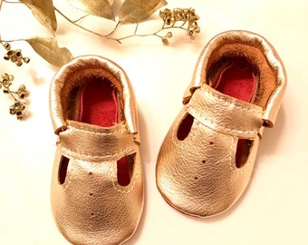 Rose Gold T-straps Baby Moccasins, Rose Gold Mary Jane, Rose Gold Baby shoes, Metallic shoes, Red Sole Baby Moccasins, Baby Gifts