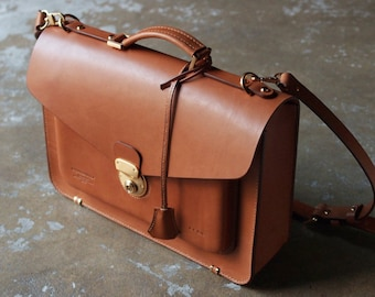 De'Wolf vintage satchel bag. -handstitched veg tanned italian leather by Korean craftsman