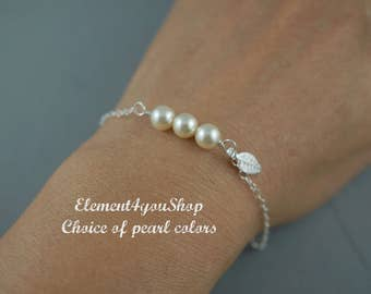 Fall Wedding Bridesmaid Bracelets Bridal pearl bracelet Delicate sterling silver jewelry leaf charm Bridesmaid Gifts Wedding shower gift