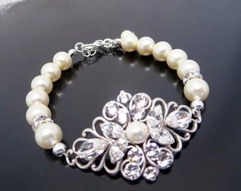 Bridal bracelet, Bridal jewelry, Pearl bracelet, Wedding bracelet, Swarovski bracelet, Crystal bracelet, Cuff bracelet, Vintage style