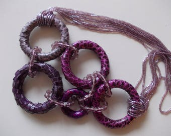 PURPLE NECKLACE CIRCLES IN REPTILE SKIN