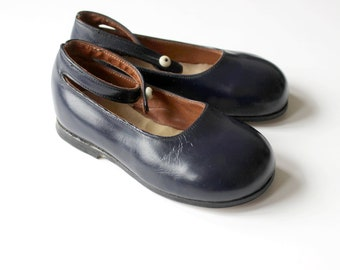 French vintage 40/50's / girl shoes / Mary Janes / navy blue leather / new old stock / size EU 22 / US 6 / UK 5,5