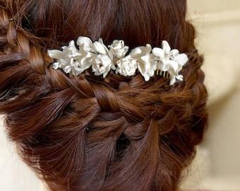 Hair comb, fascinator, wedding, Rosebuds, leaves and flowers in porcelain
