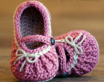 Crochet Pattern # 210 Too Cute Mary Janes with easy gathering - 2 options included - PDF - Instant Download kc550