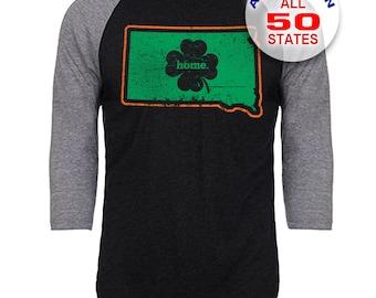 South Dakota Home State Irish Shamrock - Unisex Tri-Blend 3/4 Sleeve Raglan Baseball T-Shirt - Sizes S-3XL